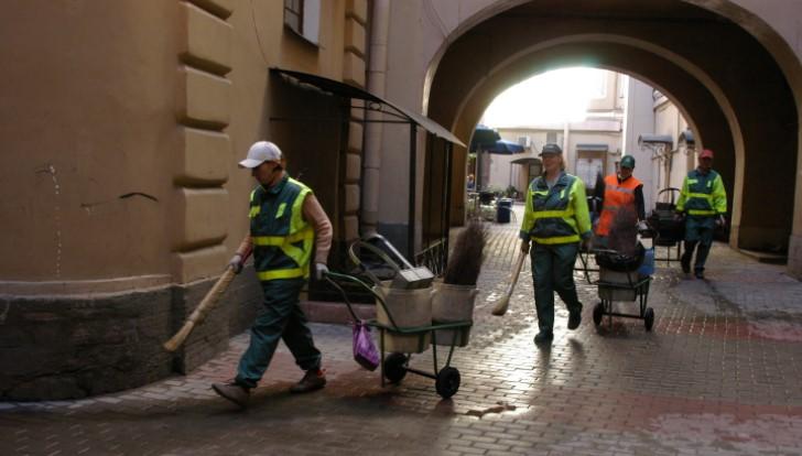 Чиновники Петербурга следят за качеством работ по уборке снега