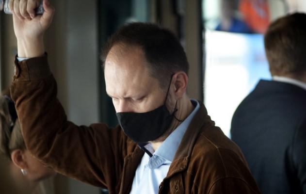 В кассах пригородных поездов в Петербурге начнут продавать маски