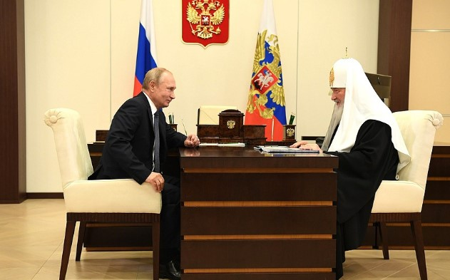 Патриарх Кирилл попросил Путина отремонтировать лавру Александра Невского в Петербурге
