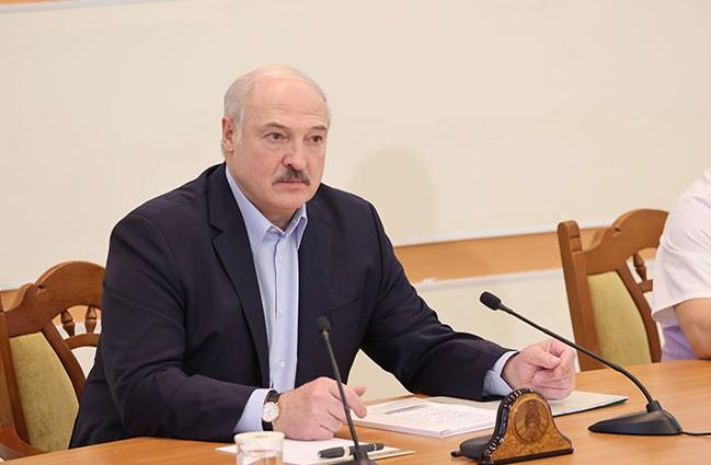Лукашенко договорился о поставках российского оружия на свыше млрд долларов