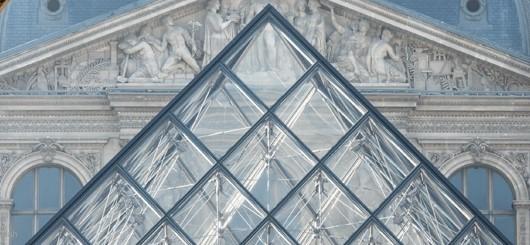 Лувр выставит на аукцион «Джоконду» без витрины