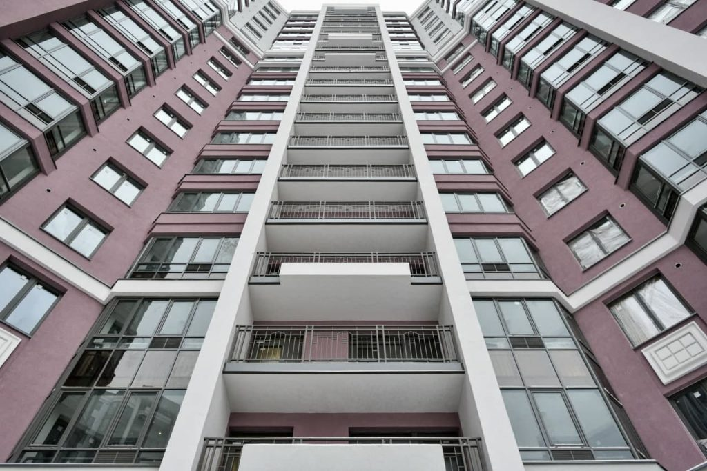 Как правильно выбрать квартиру в новостройке: видеоурок от Мойки78 и RBI