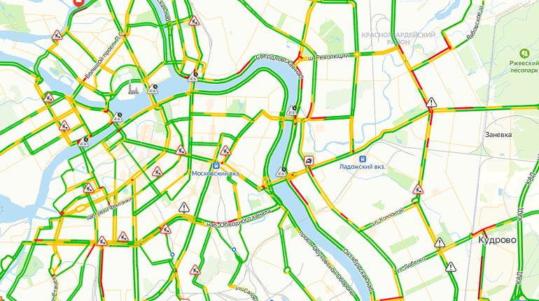 На дорогах Петербурга собрались 3-балльные пробки