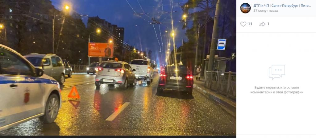 На Светлановском водитель-торопыга устроил ДТП с Ford