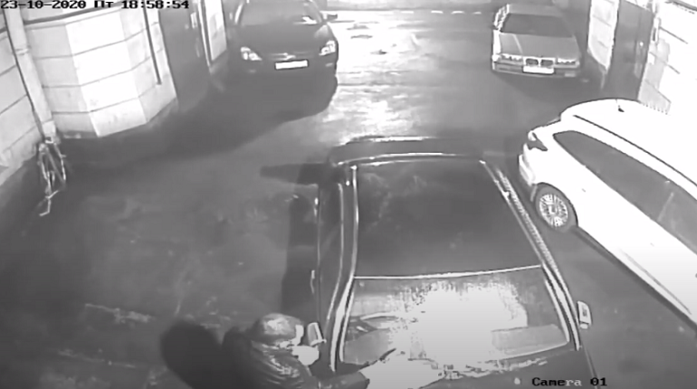 Безработного задержали за поджог Toyota на Гороховой
