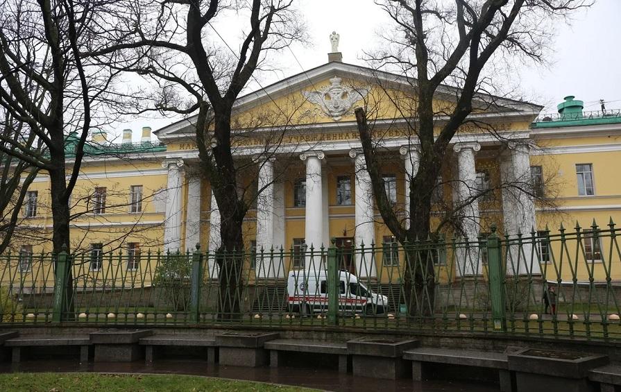В Петербурге полицейские искали «бомбы» в 93 больницах