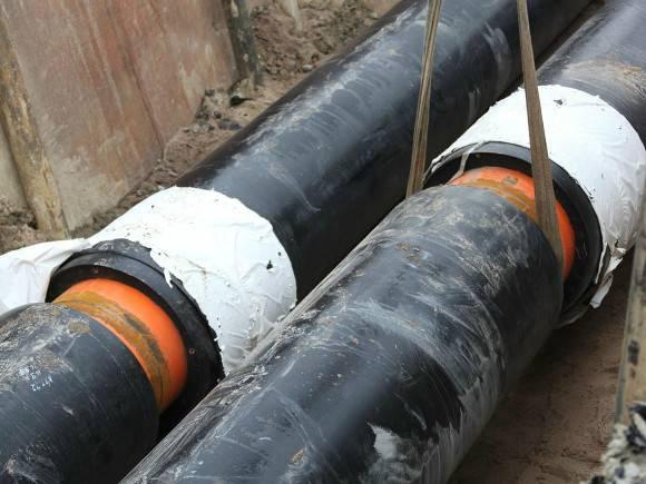 На Кораблестроителей заменили 7 метров трубы и вернули горячую воду