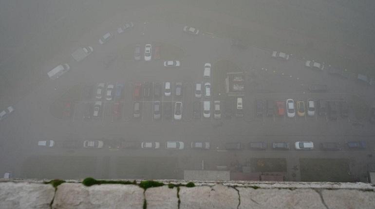 Петербург и Мурино накрыл густой туман
