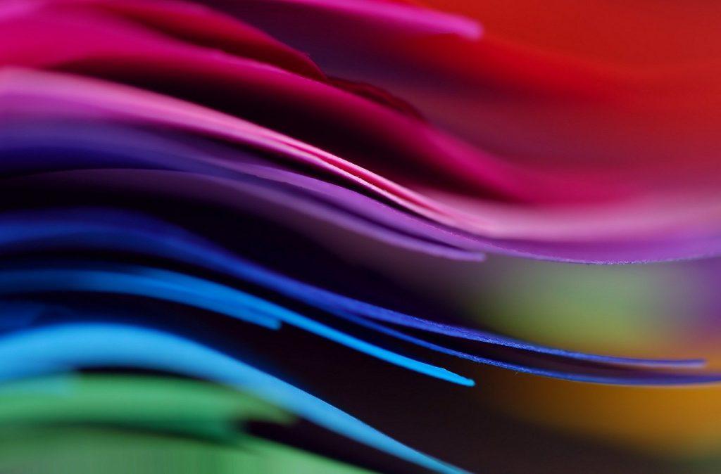 Ученые разработали меняющий цвет при ударе материал