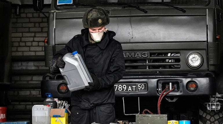 Боевую технику ЗВО подготовили к эксплуатации при низких температурах в Ленобласти
