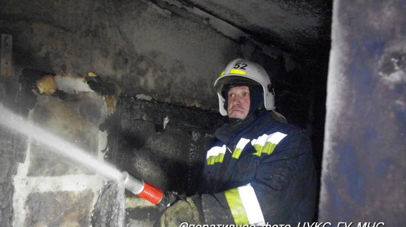 В поселке под Лугой ранним утром сгорел дом
