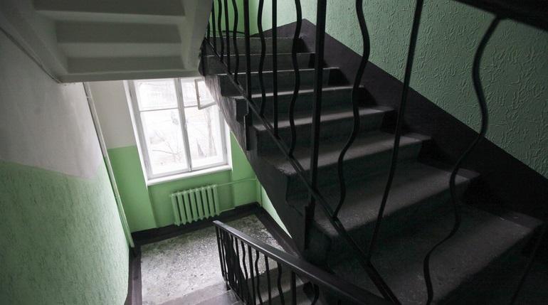 В Петербурге с третьего этажа упал 5-летний мальчик
