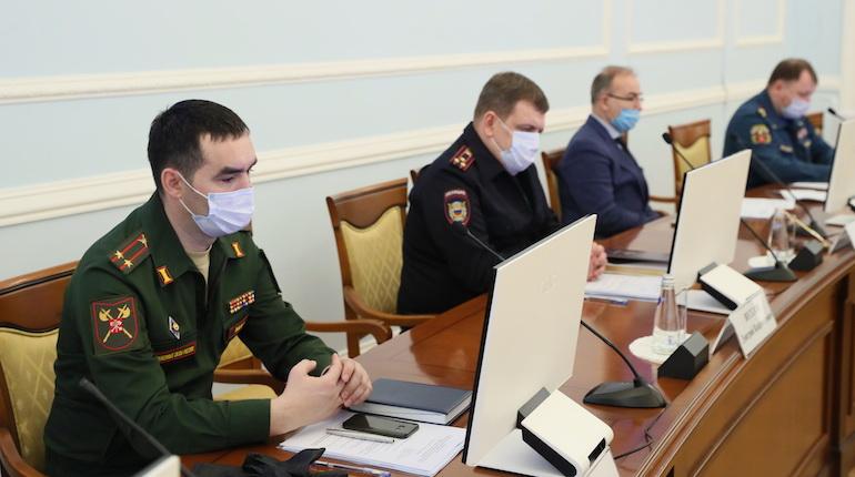 Петербургские пожарные не уходят на новогодние каникулы