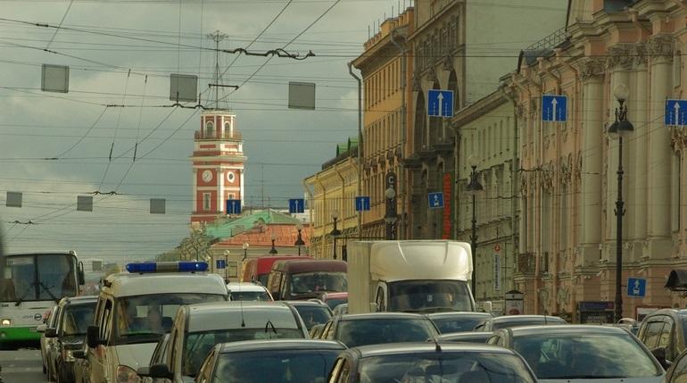Два циклона принесут в Петербург облака и снег, полвека назад было без осадков