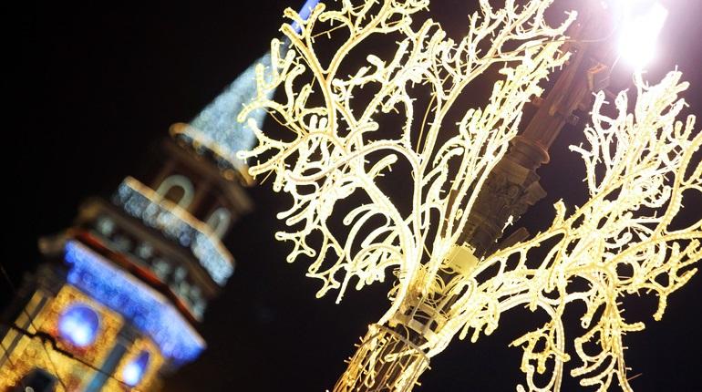 Туристы отменили почти все новогодние поездки в Петербург