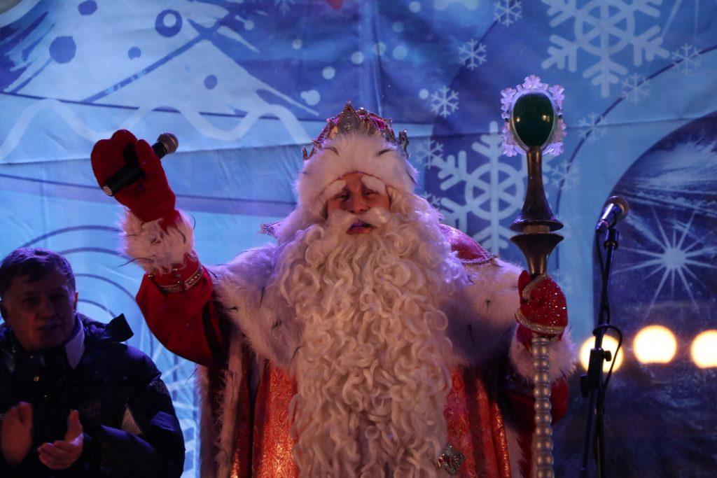 Петербуржцам рекомендуют быть аккуратными при общении с Дедом Морозом
