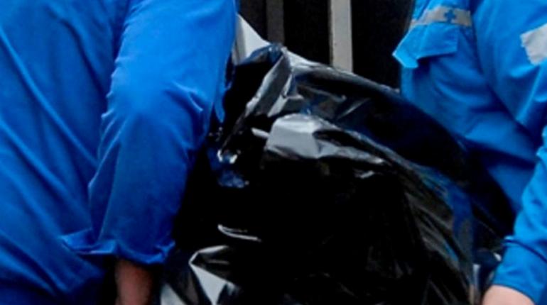 В квартире в Выборге найден труп с разбитым лбом и шесть бутылок водки