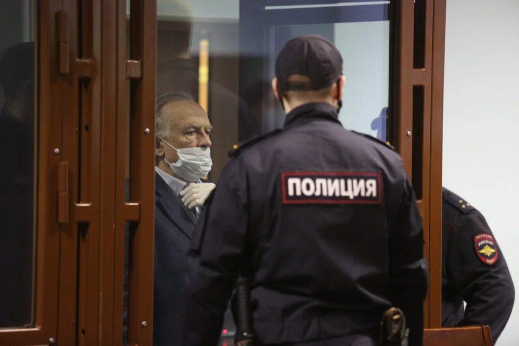 Суд отложил рассмотрение апелляционной жалобы экс-доцента СПбГУ, убившего аспирантку