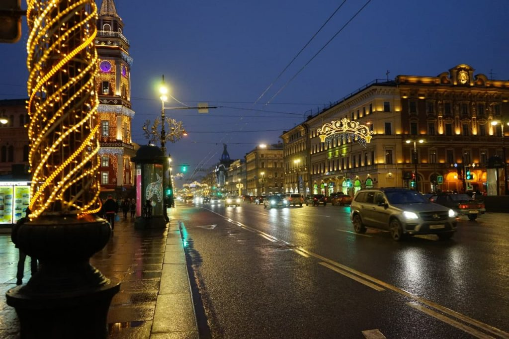 Фоторепортаж Мойки78: Петербург за 182 миллиона бедно украсили к новогодним праздникам