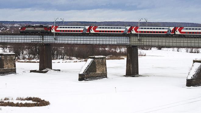 Между Петербургом и Москвой 23 февраля и 8 марта запустят дополнительные поезда