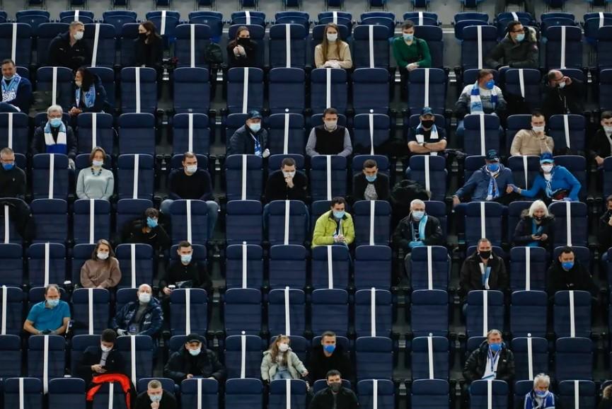Смольный уполномочил Роспотребнадзор согласовывать допуск зрителей на матчи