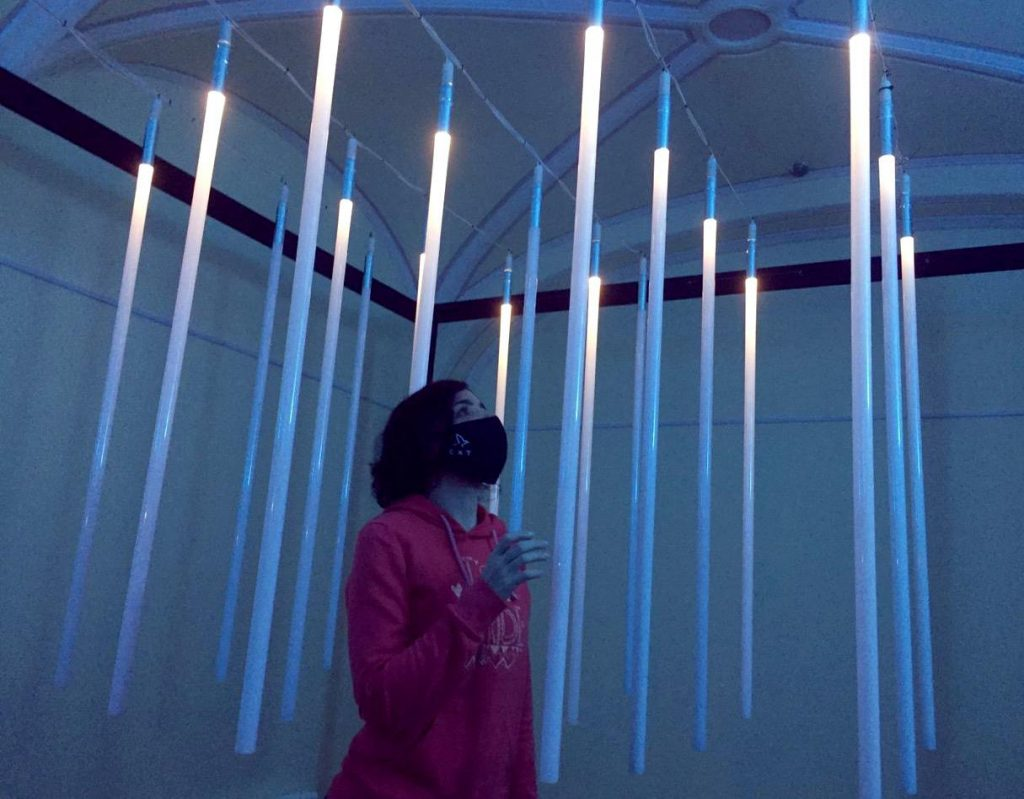 В петербургском Музее оптики открылась выставка световых инсталляций