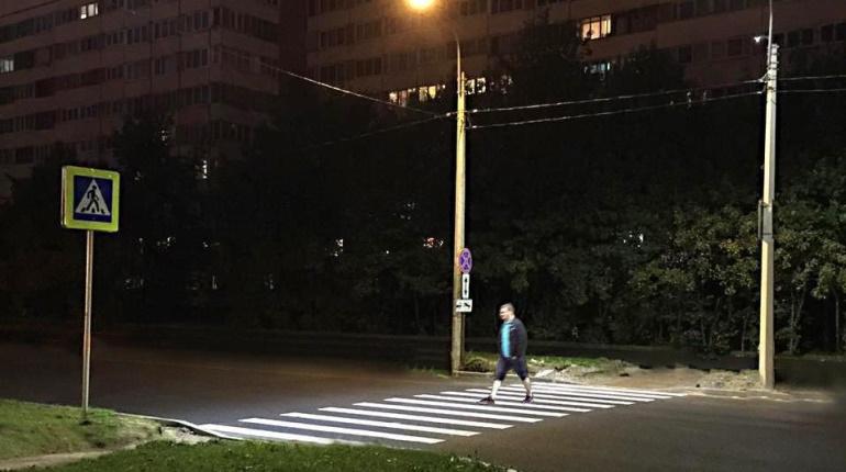 40 переходов в Петербурге получили дополнительный свет