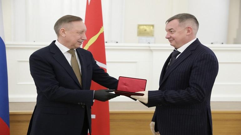 Беглов вручил государственные награды главным врачам стационаров