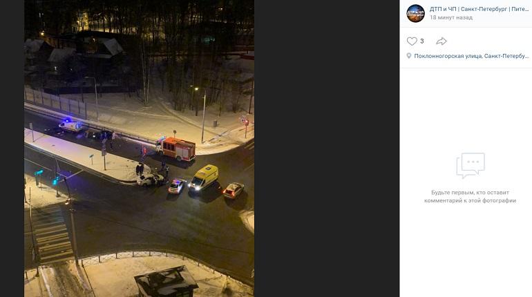 На Афонской улице два авто не поделили перекресток — на месте МЧС и реанимация