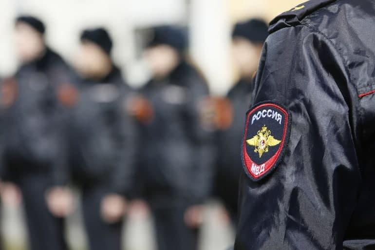 Полицейские разыскивают мужчин, избивших до полусмерти прохожего на Гороховой