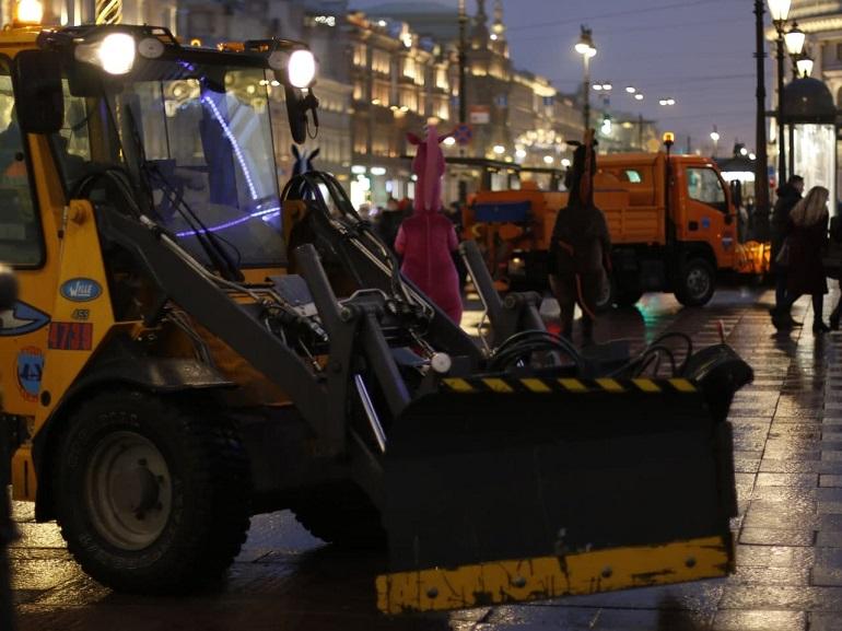 В Петербурге из-за ночного снегопада службы жилищно-коммунального хозяйства работают в усиленном режиме