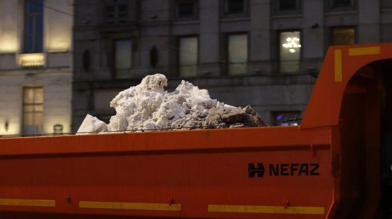 Снегопад и гололед испытают уборочную технику в Петербурге