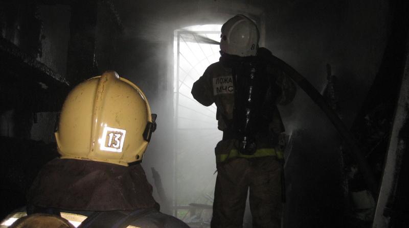 При пожаре в коммуналке в Центральном районе Петербурга погибла женщина