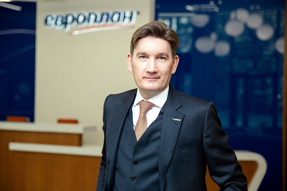 Александр Михайлов: в росте продаж автомобилей по итогам года огромную роль сыграл автолизинг