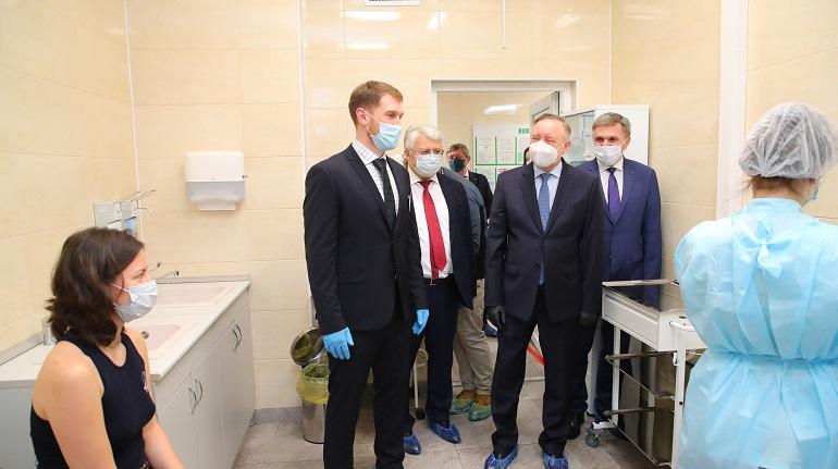 Беглов заявил о необходимости перехода на систему электронных медкарт