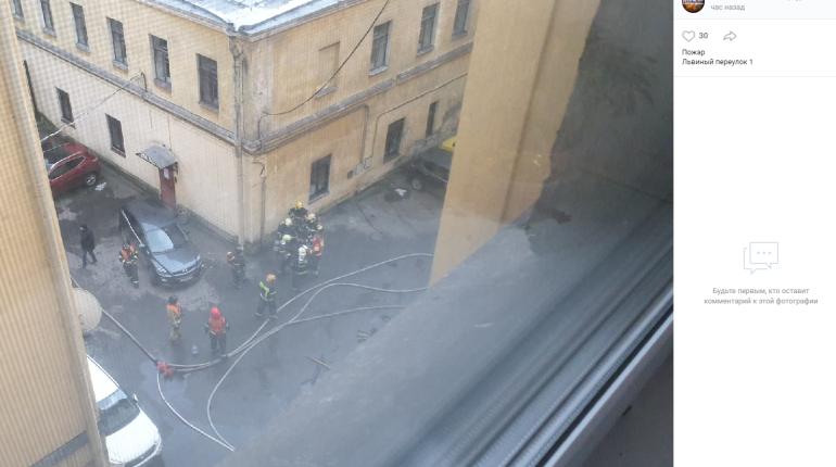 После пожара в центре Петербурга госпитализированы пятеро