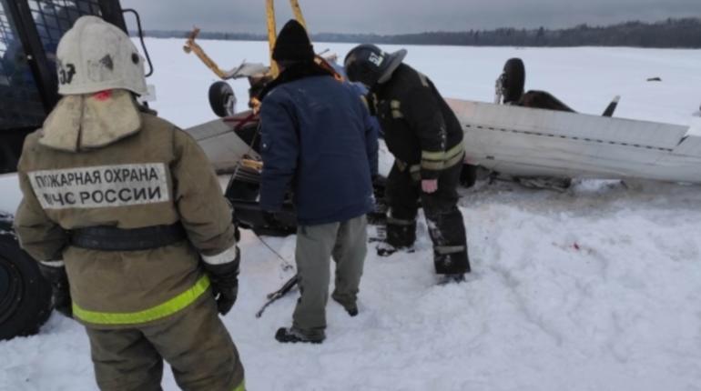 Госпитализирован пилот второго самолета, попавшего в катастрофу в Ленобласти