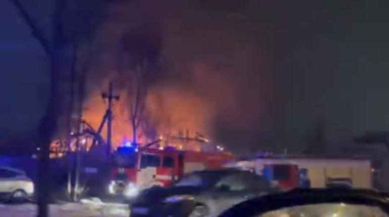 В Горелово горел банный комплекс на 200 «квадратах»