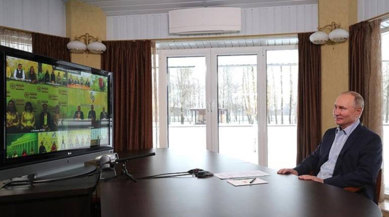 Путин заявил о возможности снимать коронавирусные ограничения