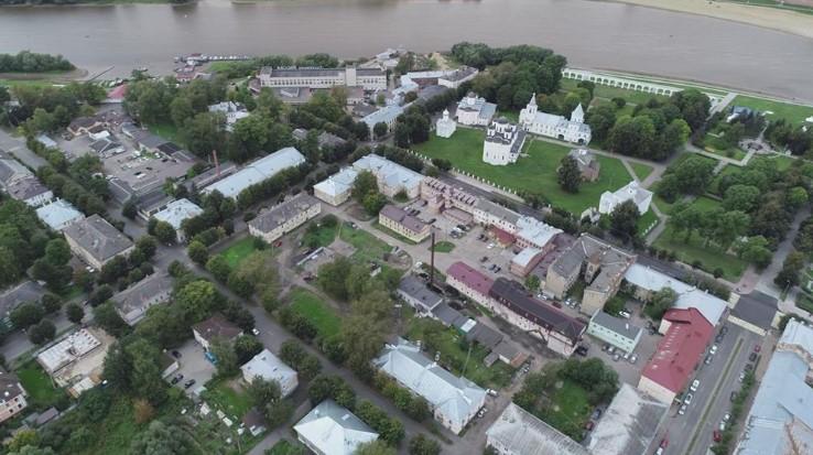 Археологи раскопали в Великом Новгороде средневековый Немецкий двор