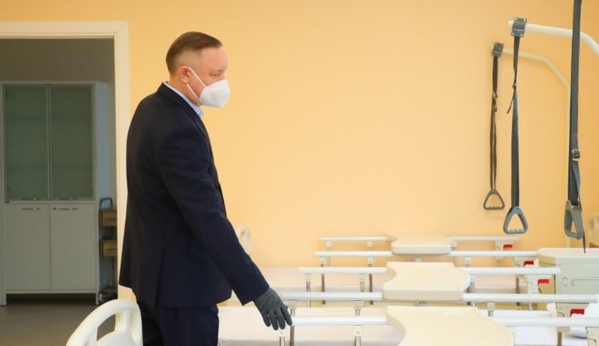 Беглов заявил о возможном усилении коронавирусных мер