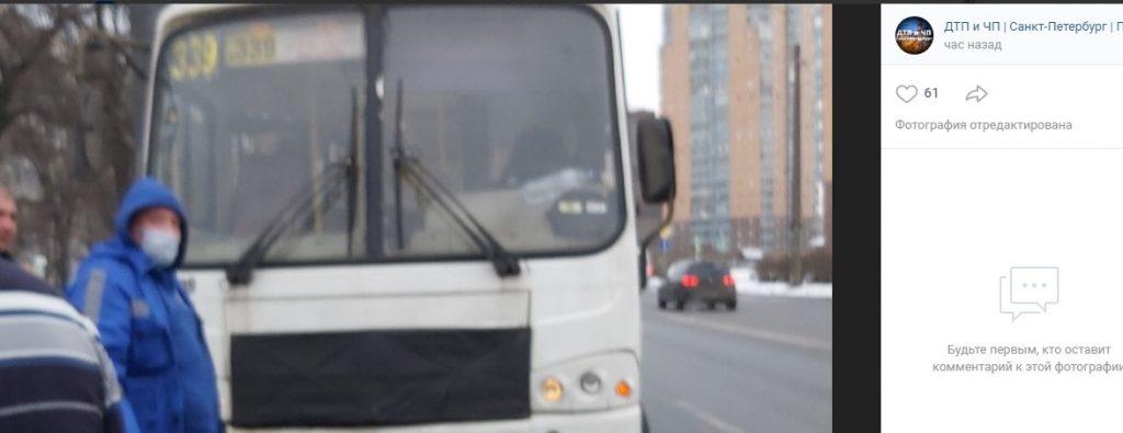 Пенсионерка попала под колеса маршрутки улице Белы Куна