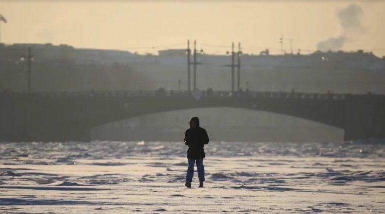 Спасатели перечислили места с самым неустойчивым льдом в Петербурге
