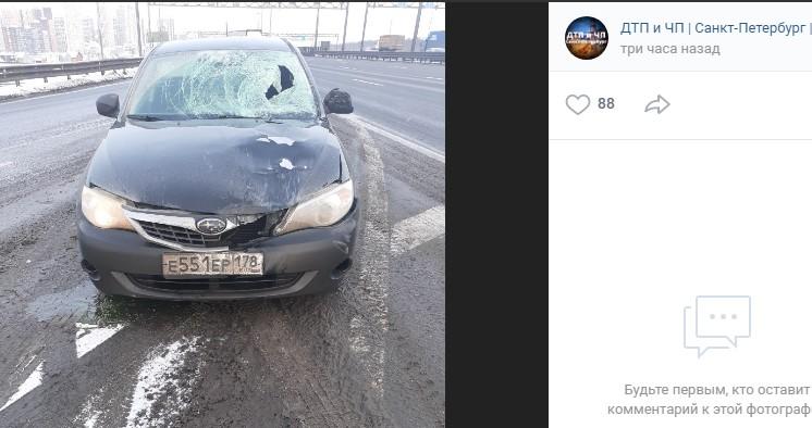 На КАД машина сбила дорожного рабочего