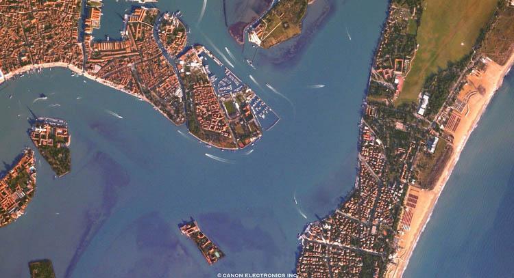 Canon создала сайт, позволяющий делать снимки из космоса