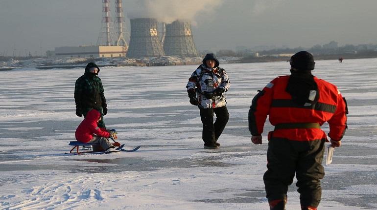 Тонкий лед: почему люди продолжают ставить под угрозу свою жизнь?