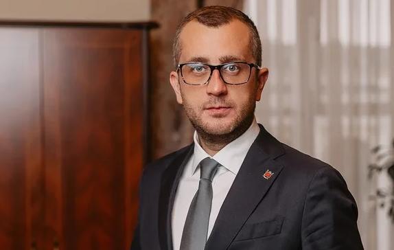Борис Пиотровский: руководителя «Дня Д», задержанную силовиками на фестивале, отпустили