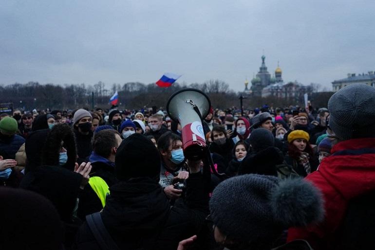 Участникам митингов в Петербурге начали выписывать штрафы