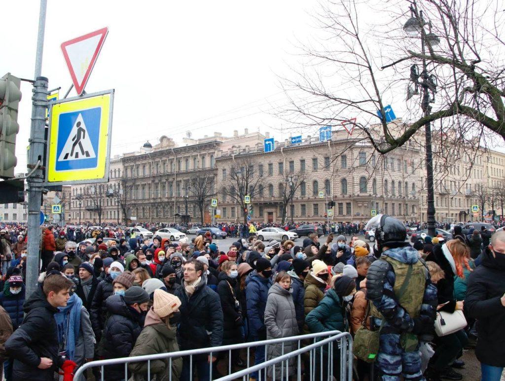 Видно всё: как отслеживают петербуржцев на митингах