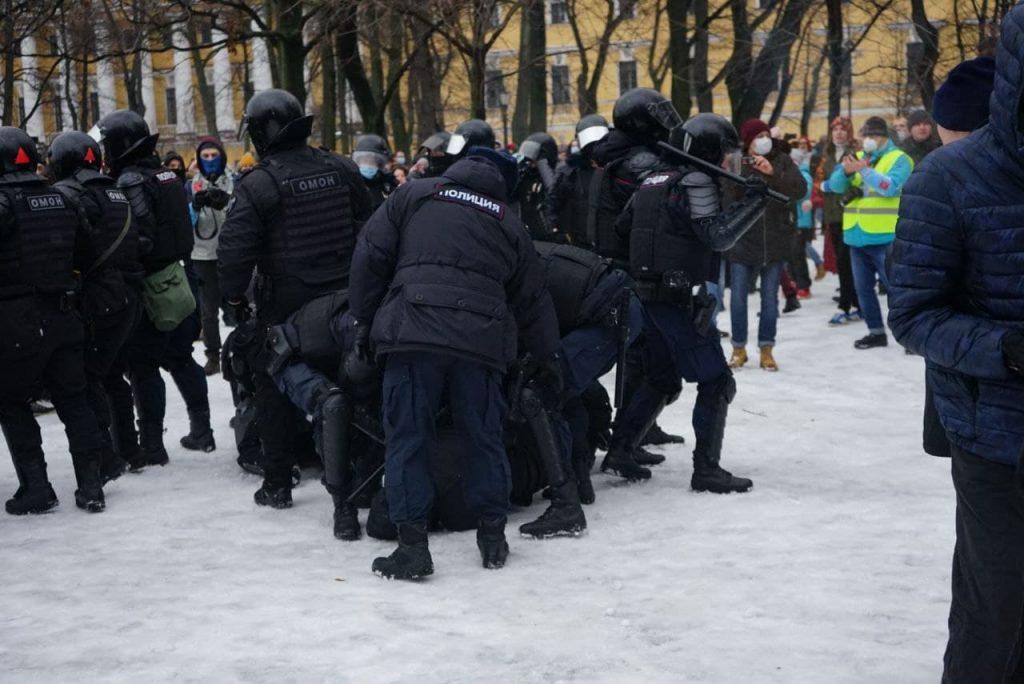 После митингов в петербургских судах рассмотрели 40 материалов